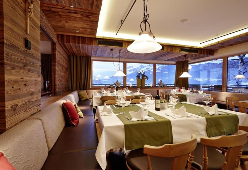 Restaurant Hotel Gasthof Schone Aussicht St Johann In Tirol